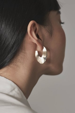 Luna Curved Earrings