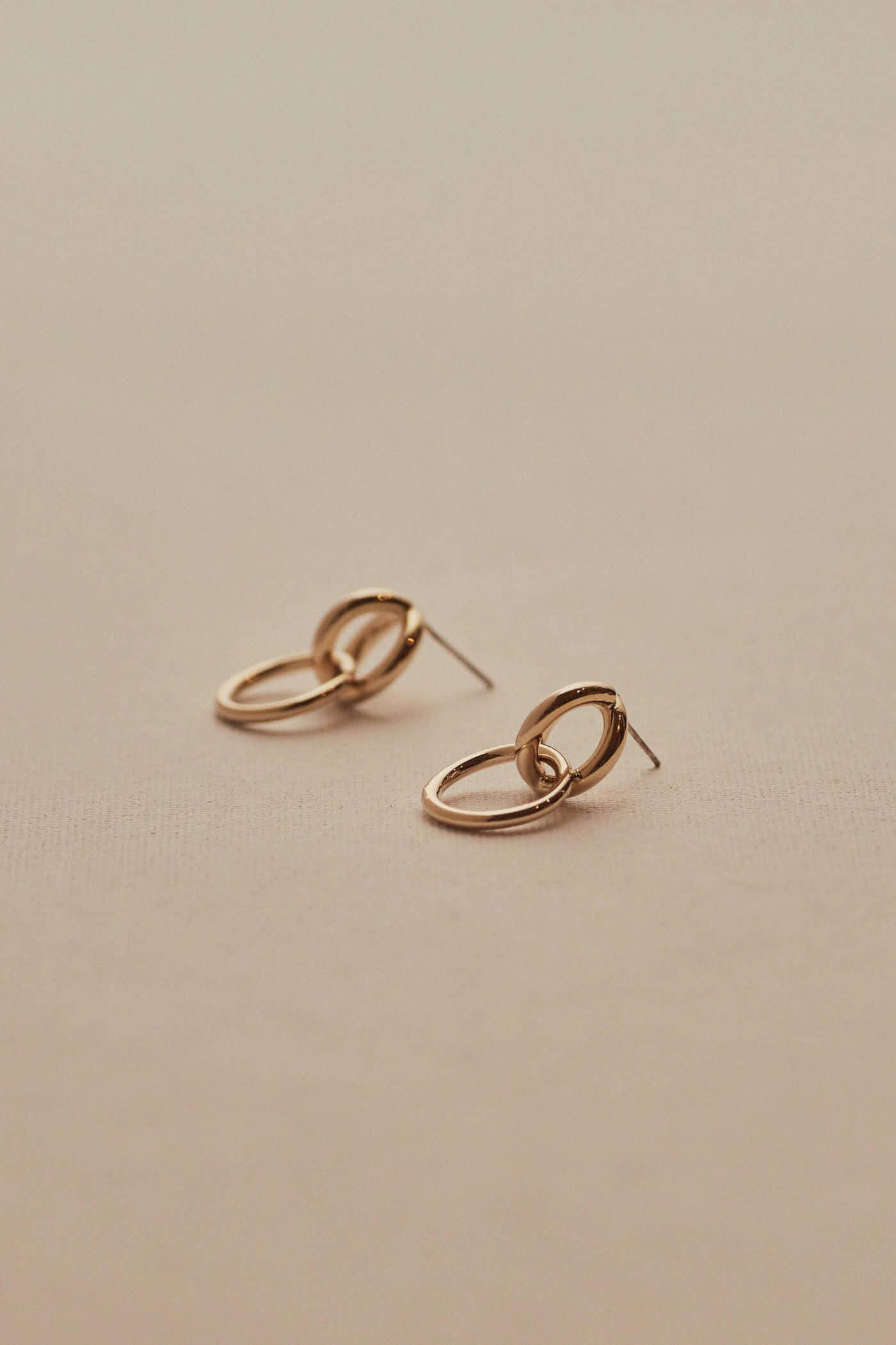 Amberlin Earrings